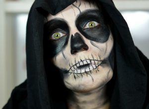 Skull-Face-Halloween-Makeup