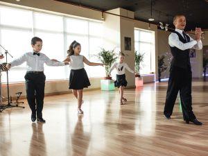 dubai-gala-evening-kids-dance-012