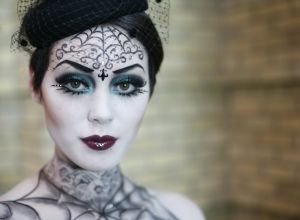 female-halloween-retro-pale-makeup